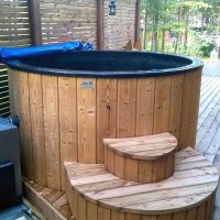 hot-tub-round-outside-1