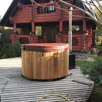 hot-tub-round-outside-18